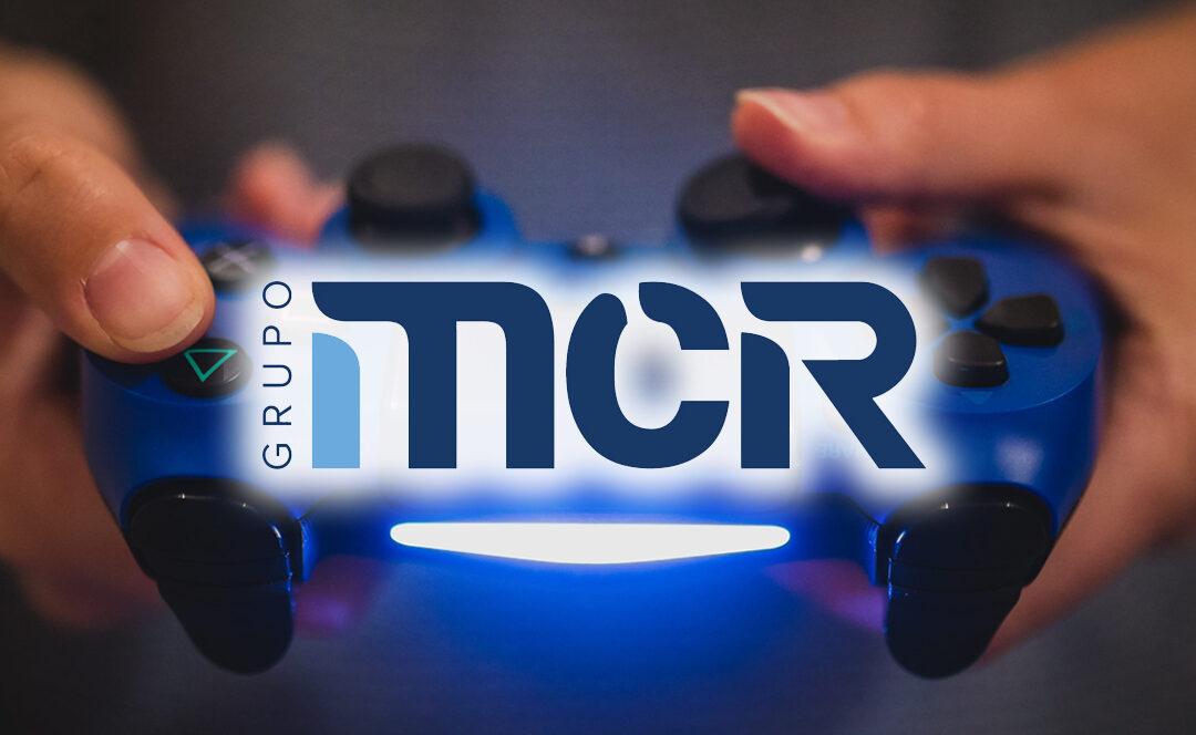 Logo MCR con mando Playstation
