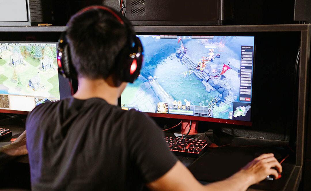 Cómo debe ser un monitor gaming: características clave